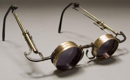 6ace0a59ad El origen de las gafas; breve historia de la oftalmología ...